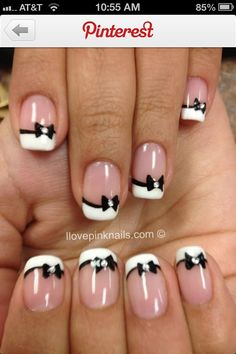 Bows French nails....but just on the ring finger!