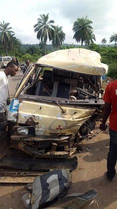 Persons Die In Ghastly Accident in Abia State (Photos) - iReporter Online Transportation, Monster Trucks, Entertainment, Photos, Pictures, Entertaining