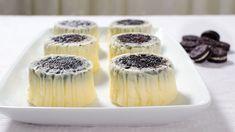 Mini cheesecake cu Oreo – reteta video via No Cook Desserts, Sweet Desserts, Delicious Desserts, Tart Recipes, Sweets Recipes, Cookie Recipes, Oreo Cheesecake Cupcakes, Oreo Cake, Mini Cheesecakes