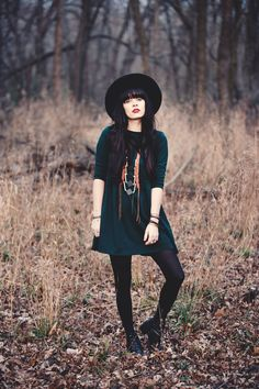 Black Tights | Green Long Sleeve Skirt | Long Necklace | Black Boots | Black Hat | Fall | Spring