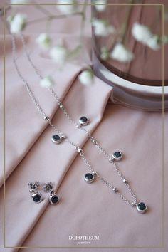 Raffiniertes Collier aus unserer exklusiven Kollektion MON PALAIS. Eine zarte Kette mit glitzernden Saphiren von zeitloser Eleganz! Sapphire, Necklaces