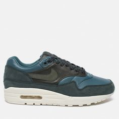 Nike Air Max Tavas SE Big Kids' Shoe