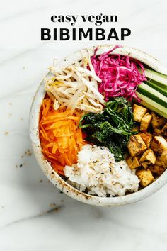 This easy tofu Vegan Bibimbap is healthy and bursting with flavour! You'll love this Korean inspired recipe! Healthy Korean Recipes, Vegan Korean Food, Delicious Vegan Recipes, Veggie Recipes, Whole Food Recipes, Vegetarian Recipes, Cooking Recipes, Vegan Bibimbap, Recipes