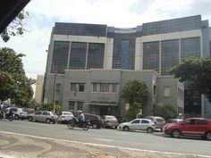 Sede do Tribunal Regional Eleitoral de Goiás, em frente à Praça Cívica.