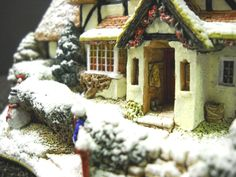 Lilliput Lane Frosty Morning Christmas Special for 1998 Deeds L2128 | eBay