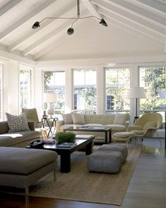 Waldos designs--- such a soothing space. Love all the neutrals