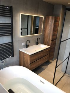 Wiesbaden led spiegel www. Bathroom Design Small, Bathroom Layout, Modern Bathroom, Bathroom Renos, Bathroom Interior, Interior Design Living Room, Yellow Bathrooms, Dream Bathrooms, Douche Design