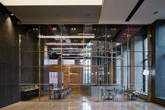 Paul Bassett Metro Tower 韓国 | spinoff