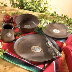 Pendleton Round-Up dinnerware -- sadly this is discontinued but wasn\u0027t it fun?   Ranch Home   Pinterest   Dinnerware Rounding and Westerns & Pendleton Round-Up dinnerware -- sadly this is discontinued but wasn ...