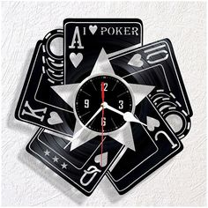 Vinyl wall clock Poker Vinyl Record Crafts, Vinyl Record Clock, Vinyl Cd, Vinyl Records, Clock Art, Diy Clock, Laser Cut Box, Laser Art, Unique House Design