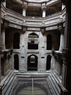 India's Forgotten Stepwells,Rudabai Vav, Adalaj. Image ©Victoria S. Lautman