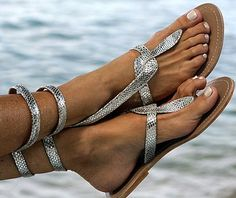 with a wired strap!  would have to dip my feet in Magic Tan of course