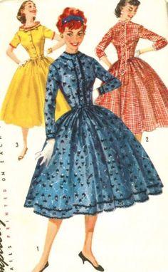 """1950 Misses Shirtwaist Dress Vintage Sewing Pattern, Full Skirt, Rockabilly, Simplicity 1722 Bust 34"""" uncut. $15.00, via Etsy. 1950s Dress Patterns, Vintage Sewing Patterns, 1950s Fashion, Vintage Fashion, Vintage Dresses, Vintage Outfits, Retro, Shirtwaist Dress, Vogue Patterns"""