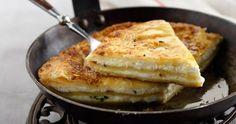 Τυρόπιτα στο τηγάνι στο πι και φι ! Greek Recipes, Deli, Food For Thought, Macaroni And Cheese, I Am Awesome, French Toast, Bakery, Brunch, Food And Drink