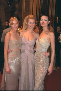Amber, Claudia and Shalom backstage at Valentino, 1996