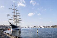 Priwall Waterfront: Ein Mega-Projekt in bester Wasserlage // #Travemünde #Ostsee #Passathafen #SchleswigHolstein #Hafen #Tourismus #MeerART / gepinnt von www.MeerART.de