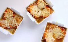 Julia Child's French Onion Soup (Pressure Cooker Version) by hippressurecooking #French_Onion_Soup #Julia_Child #Pressure_Cooker