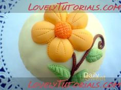 How to decorate cupcakes with flower designs using royal icing and fondant - Мастер-классы по украшению тортов Cake Decorating Tutorials (How To's) Tortas Paso a Paso