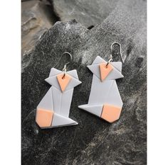 Origami fox earrings  Origami kettu korvakorut  made by CherryAnn Suomalaista käsityötä/ Made in Finland www.madebycherryann.com Instagram @madebycherryann Facebook Made by CherryAnn