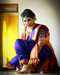 Marathi Nath, Marathi Saree, Marathi Bride, Beautiful Girl Indian, Beautiful Girl Image, Beautiful Saree, Kashta Saree, Nauvari Saree, Wonderful Picture
