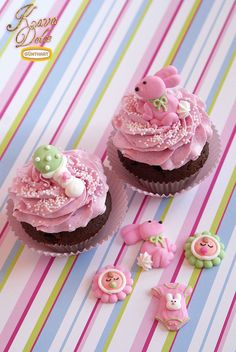 Baby Shower Cupcakes with cute Bunnies / Baby Cupcakes mit süßen Zucker-Hasen. Kava Dolce Collection by Günthart