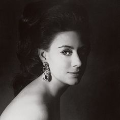 "681 Likes, 18 Comments - Caroline Rennolds Milbank (@jupeculotte) on Instagram: ""Highly recommended: Ma'am Darling 99 Glimpses of Princess Margaret by Craig Brown. From the dust…"""