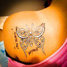 Skinjackin live paint papillon POSCA