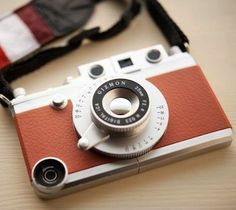 Your iPhone becomes a classic camera. The Charm of the conventional GIZMON iCA series are the same and polycarbonate part increased 50 and evolved. http://thegadgetflow.com/portfolio/gizmon-vintage-camera-case-for-iphone-5/