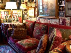 Could a normal person do something like this and pull it off???  Countess Hubert d'Ornano's Parisian apartment.