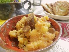 krumple s klobasou hlavna Potato Salad, Cauliflower, Potatoes, Vegetables, Ethnic Recipes, Food, Housewife, Head Of Cauliflower, Potato