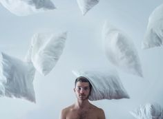 Conceptual photography | pillow fighting