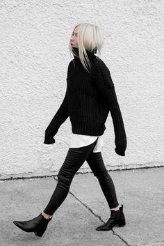 Minimalist style inspiration : black & white mood Minimalist Fashion Outfits to Copy This Season, Minimalist look Fashion tips to embrace the trend Looks Street Style, Looks Style, My Style, New York Street Style, Street Style 2017, Daily Style, Mode Outfits, Casual Outfits, Fashion Outfits