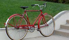 Beautiful Classic Raleigh sports 3 speed bike Raleigh Bicycle, Raleigh Bikes, Bici Retro, Retro Bike, Rat Bikes, Cycling Bikes, Vintage Cycles, Vintage Bikes, Townie Bike