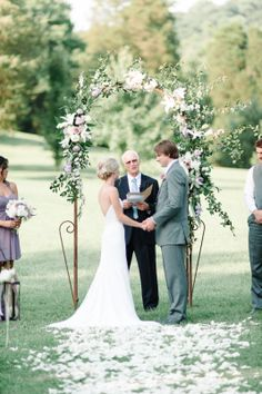 #Ceremony | #Arch | http://www.stylemepretty.com/2013/11/13/nashville-wedding-from-michelle-lange-photography/ | Photo: Michelle Lange