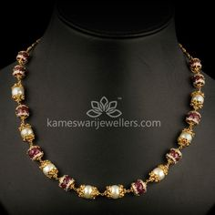 Elegant gold chains for women from Kameswari Jewellers. Shop for antique and designer gold chains online! Gold Chain Design, Gold Jewellery Design, Gold Jewelry, Pearl Jewelry, Fancy Jewellery, Designer Jewellery, Emerald Jewelry, India Jewelry, Pearl Necklace Designs