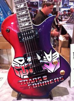 This is a guitar? Transformers Prime, Optimus Prime, Transformers Soundwave, Only Play, Sound Waves, Playing Guitar, I Movie, Cool Stuff, Electric Guitars