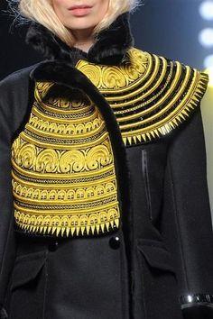 Photos des détails du défilé Jean Paul Gaultier Haute Couture automne-hiver…