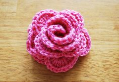 Crochet roses in 9 steps: Free crochet pattern with step by step pictures! | Hachi Yarns - Buy knitting yarn, wool online