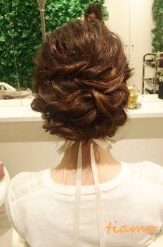 柔らかい雰囲気が可愛い3スタイル♡リハ編  大人可愛いブライダルヘアメイク『tiamo』の結婚カタログ