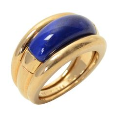 Van Cleef and Arpels Gold and Lapis Insert Ring ,his versatile ring by Van Cleef and Arpels can be worn in two ways. The lapis lazuli band can be the center of the fluted gold band or worn alone. Jewelry Rings, Jewelery, Fine Jewelry, Van Cleef And Arpels Jewelry, Van Cleef Arpels, Bijoux Lapis Lazuli, Antique Jewelry, Silver Jewelry, Gems And Minerals