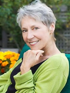 Photos Of Short Haircuts for Older Women | http://www.short-haircut.com/photos-of-short-haircuts-for-older-women.html