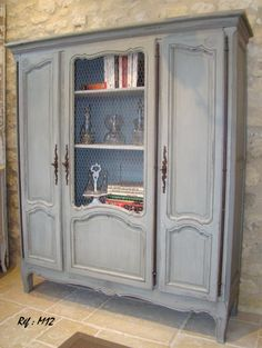 meuble de style louis xvi peint et patin dans les tons de gris bleu et lin la d co des anges. Black Bedroom Furniture Sets. Home Design Ideas