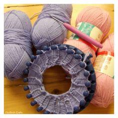 FitzBirch Crafts: Knifty Loom Knit Leg Warmers Yes. Round Loom Knitting, Loom Knitting Stitches, Spool Knitting, Knifty Knitter, Loom Knitting Projects, Beginner Knitting, Finger Knitting, Knitting Tutorials, Knitting Machine