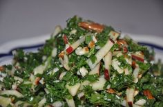 Kale Salad w/ Apples & Almonds Different Salads, Scandinavian Food, Cooking Recipes, Healthy Recipes, Vegan, My Favorite Food, Salad Recipes, Side Dishes, Food And Drink