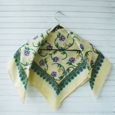 White vintage shawl, Vintage Russian shawl with blue green pattern, green pattern shawl, #neckerchief, Russian shawl, pavlovo posad shawl  Beautiful white Russian shawl. Sha...
