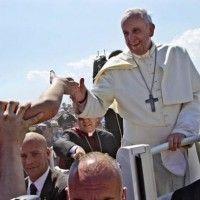 Le pape François en Calabre appelle à combattre la mafia