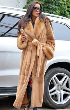 Long Fur Coat, Fur Coats, Chinchilla Coat, Fur Clothing, Mink Fur, Long Jackets, Fur Fashion, Winter Wear, Clothes For Women