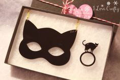 Just died again!!  Cat Jewelry // Love Cats Gift Box