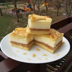 Tavaszi ételek Hungarian Recipes, Halloween Gifts, Izu, French Toast, Cheesecake, Breakfast, Food, Morning Coffee, Cheesecakes