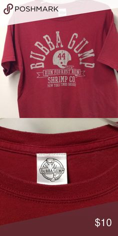 Bubba Gump t-shirt Burgandy 100% Cotton Shirts Tees - Short Sleeve